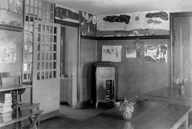 Dining room in living house (ca.1925), photo by Oscar Stechbardt, courtesy of Special Collections and University Archives, Rutgers University Libraries