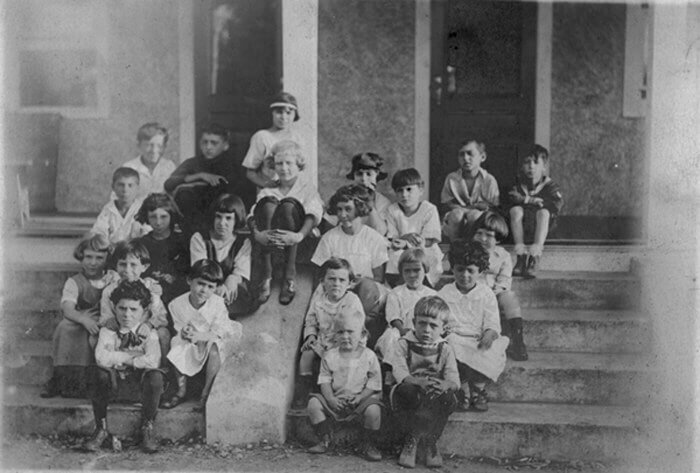 Children on steps (ca.1920), photo by Oscar Stechbardt, courtesy of Special Collections and University Archives, Rutgers University Libraries